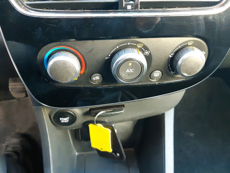 Photo 8 de l'offre de RENAULT CLIO IV ESTATE 1.5 DCI 90CH ENERGY BUSINESS 82G à 9490€ chez Carlyss automobiles Vitré