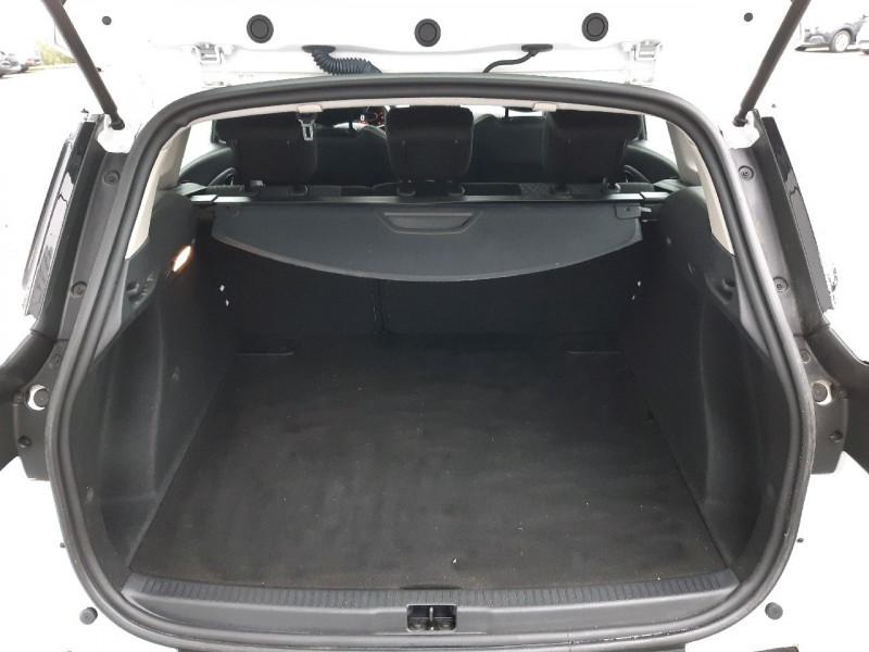 Photo 4 de l'offre de RENAULT CLIO IV ESTATE 0.9 TCE 90CH ENERGY BUSINESS à 11990€ chez Carlyss automobiles Vitré