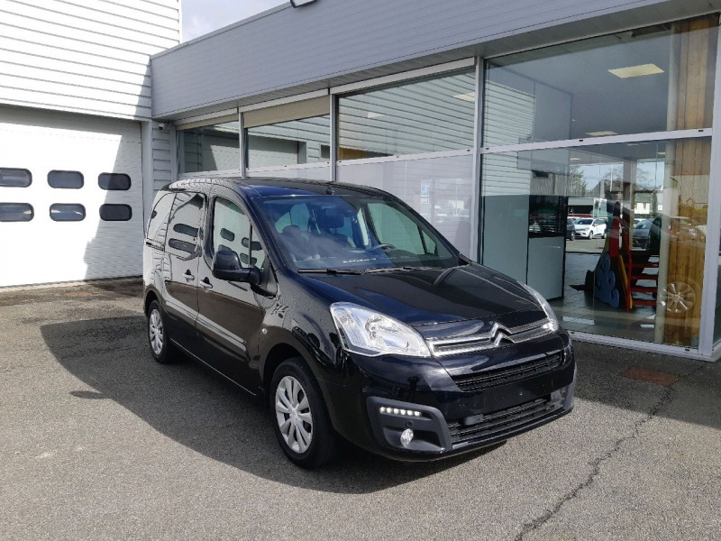 Photo 1 de l'offre de CITROEN BERLINGO BLUEHDI 100CH FEEL à 12790€ chez Carlyss automobiles Vitré