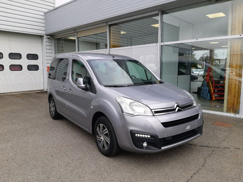 Photo 1 de l'offre de CITROEN BERLINGO BLUEHDI 100CH FEEL S&S ETG6 à 13790€ chez Carlyss automobiles Vitré