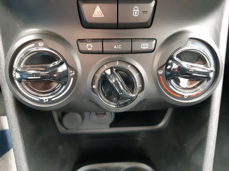 Photo 10 de l'offre de PEUGEOT 208 1.2 PURETECH 82CH ACTIVE 5P à 11990€ chez Carlyss automobiles Vitré