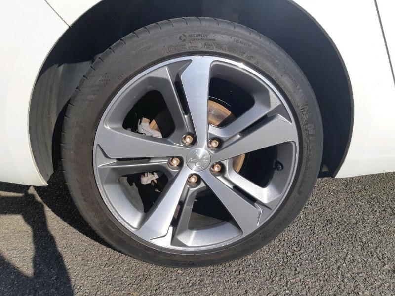 Photo 4 de l'offre de PEUGEOT 308 SW 2.0 BLUEHDI 150CH FELINE S&S à 14290€ chez Carlyss automobiles Vitré