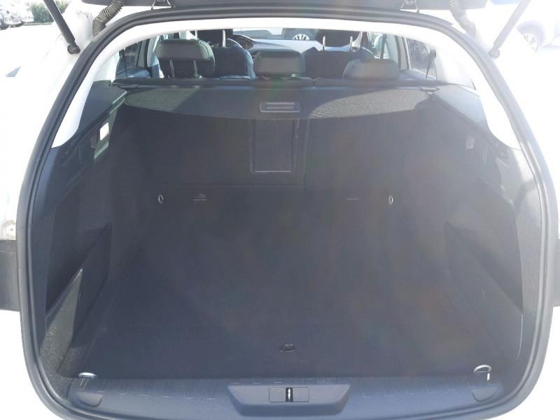 Photo 5 de l'offre de PEUGEOT 308 SW 2.0 BLUEHDI 150CH FELINE S&S à 14290€ chez Carlyss automobiles Vitré