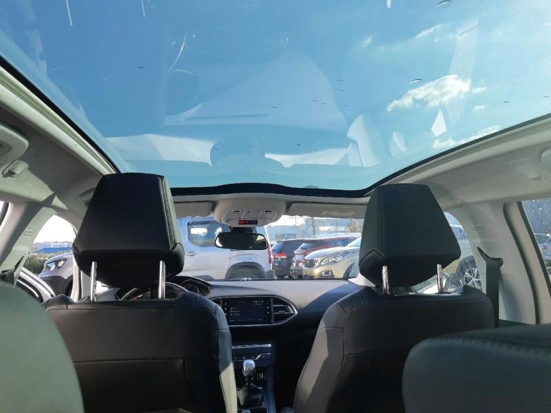 Photo 8 de l'offre de PEUGEOT 308 SW 2.0 BLUEHDI 150CH FELINE S&S à 14290€ chez Carlyss automobiles Vitré
