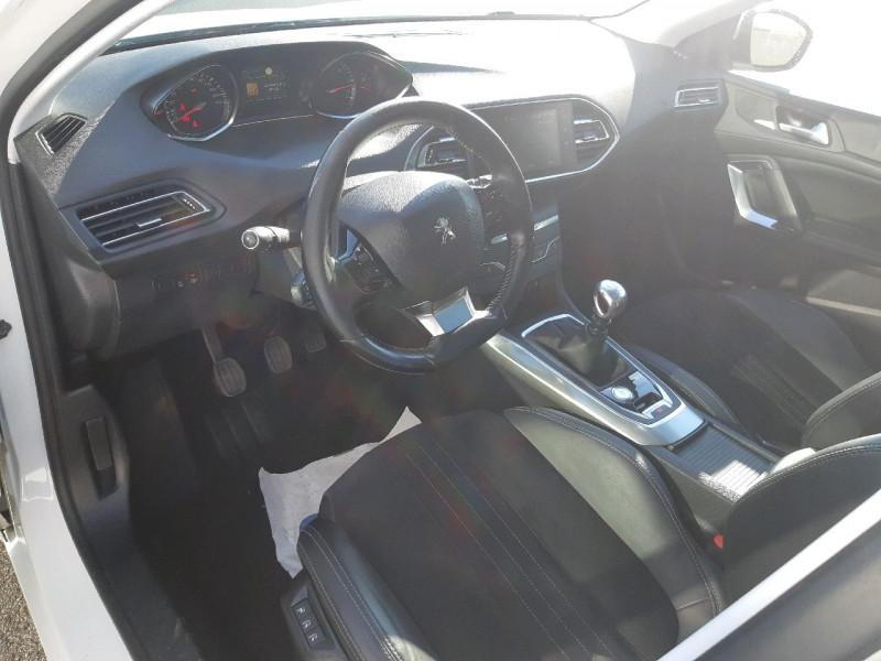 Photo 6 de l'offre de PEUGEOT 308 SW 2.0 BLUEHDI 150CH FELINE S&S à 14290€ chez Carlyss automobiles Vitré