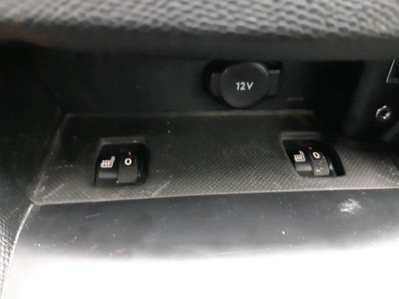 Photo 15 de l'offre de PEUGEOT 308 SW 2.0 BLUEHDI FAP 180CH GT EAT6 à 14990€ chez Carlyss automobiles Vitré