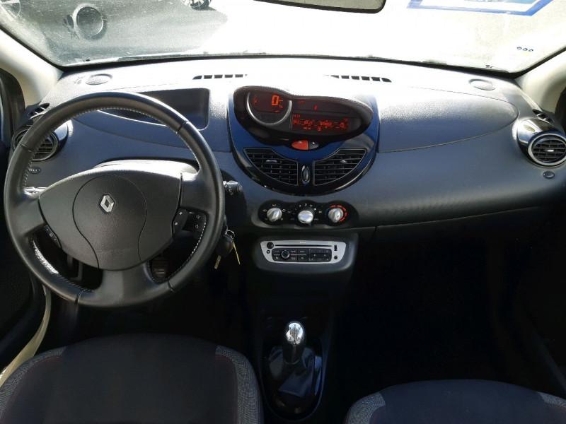 Photo 9 de l'offre de RENAULT TWINGO II 1.5 DCI 75CH DYNAMIQUE ECO² à 5790€ chez Carlyss automobiles Vitré
