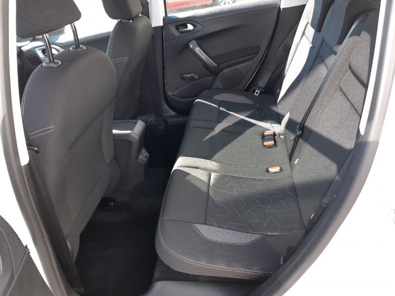 Photo 6 de l'offre de PEUGEOT 2008 1.6 BLUEHDI 100CH ACTIVE à 11990€ chez Carlyss automobiles Vitré