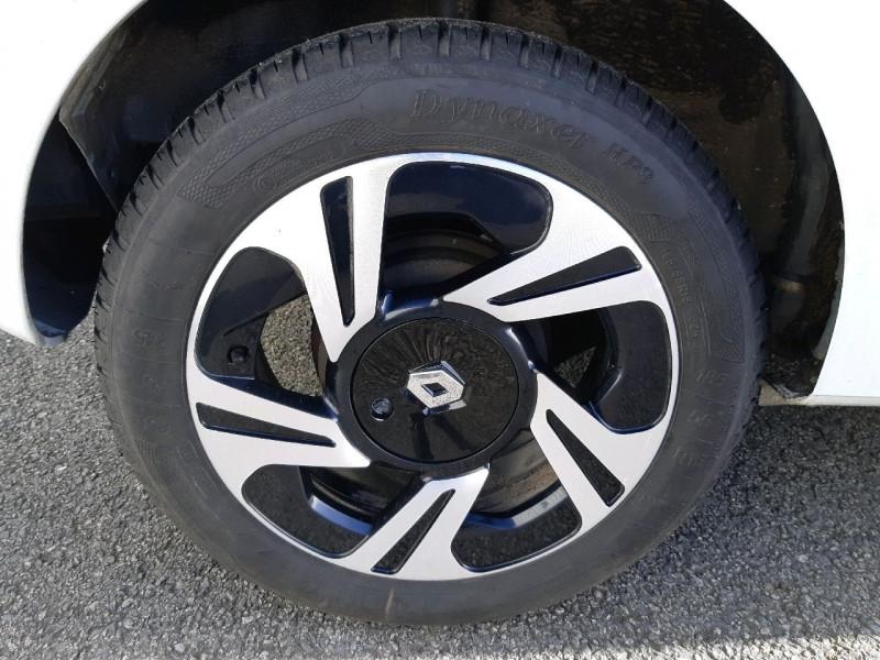 Photo 4 de l'offre de RENAULT TWINGO II 1.5 DCI 75CH DYNAMIQUE ECO² à 5790€ chez Carlyss automobiles Vitré
