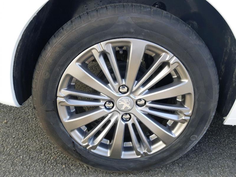 Photo 4 de l'offre de PEUGEOT 208 1.6 BLUEHDI 75CH STYLE 5P à 6890€ chez Carlyss automobiles Vitré