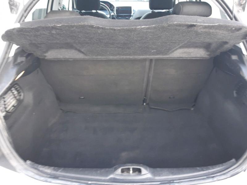 Photo 5 de l'offre de PEUGEOT 208 1.6 BLUEHDI 75CH STYLE 5P à 6890€ chez Carlyss automobiles Vitré