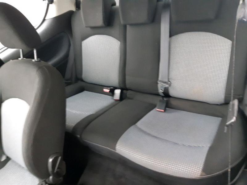 Photo 6 de l'offre de PEUGEOT 206 1.1 XR PRESENCE 3P à 2990€ chez Carlyss automobiles Vitré