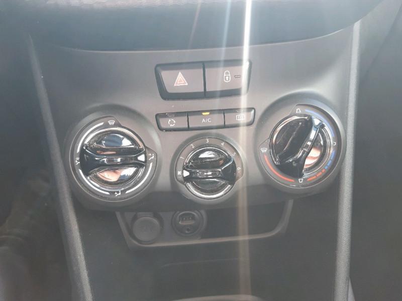 Photo 8 de l'offre de PEUGEOT 2008 1.2 PURETECH 82CH ACTIVE à 10490€ chez Carlyss automobiles Vitré