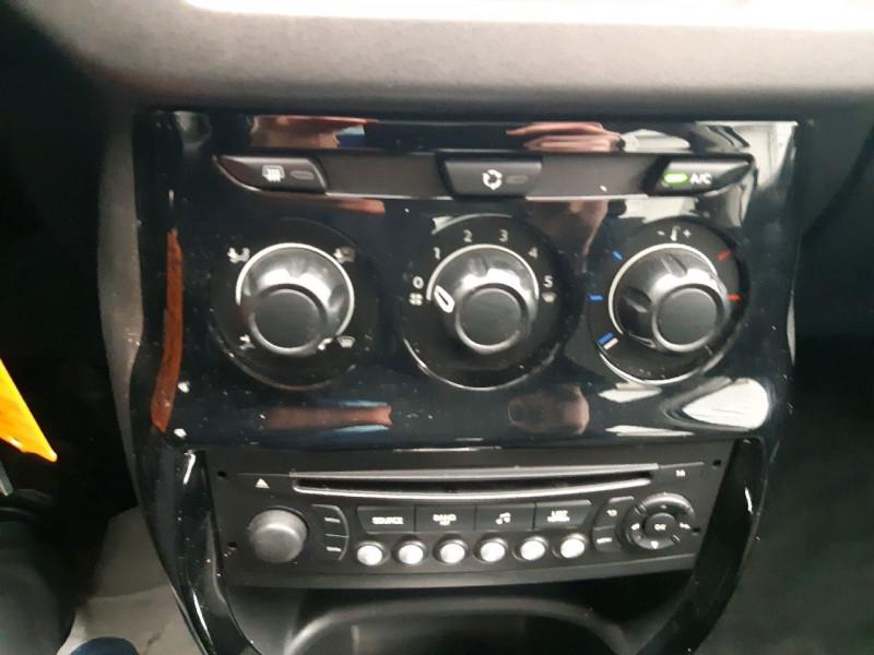 Photo 8 de l'offre de CITROEN C3 1.4 E-HDI70 SELECTION BMP5 à 8790€ chez Carlyss automobiles Vitré