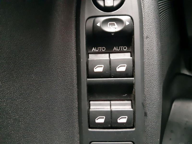 Photo 10 de l'offre de CITROEN C3 1.4 E-HDI70 SELECTION BMP5 à 8790€ chez Carlyss automobiles Vitré