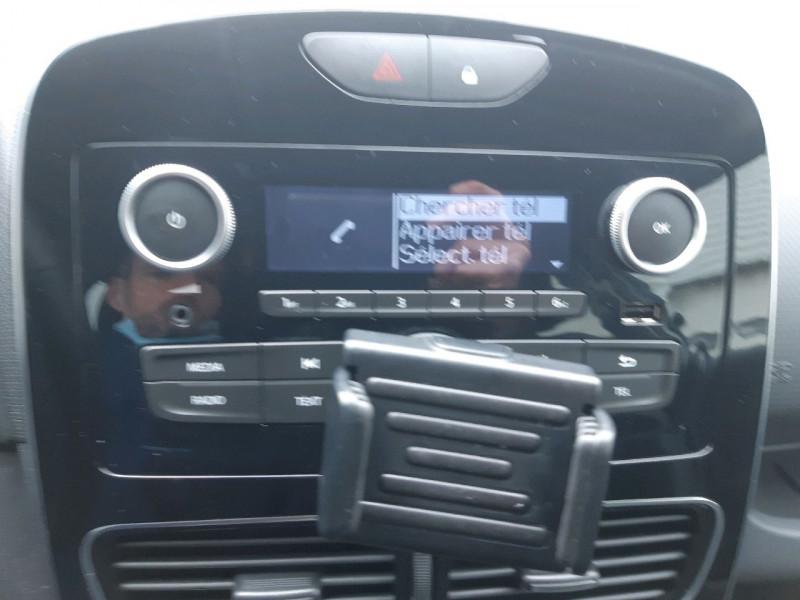 Photo 10 de l'offre de RENAULT CLIO IV ESTATE 1.5 DCI 90CH ENERGY ZEN EURO6C à 11690€ chez Carlyss automobiles Vitré