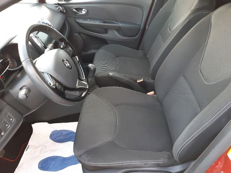 Photo 6 de l'offre de RENAULT CLIO IV 0.9 TCE 90CH ZEN ECO² à 7990€ chez Carlyss automobiles Vitré