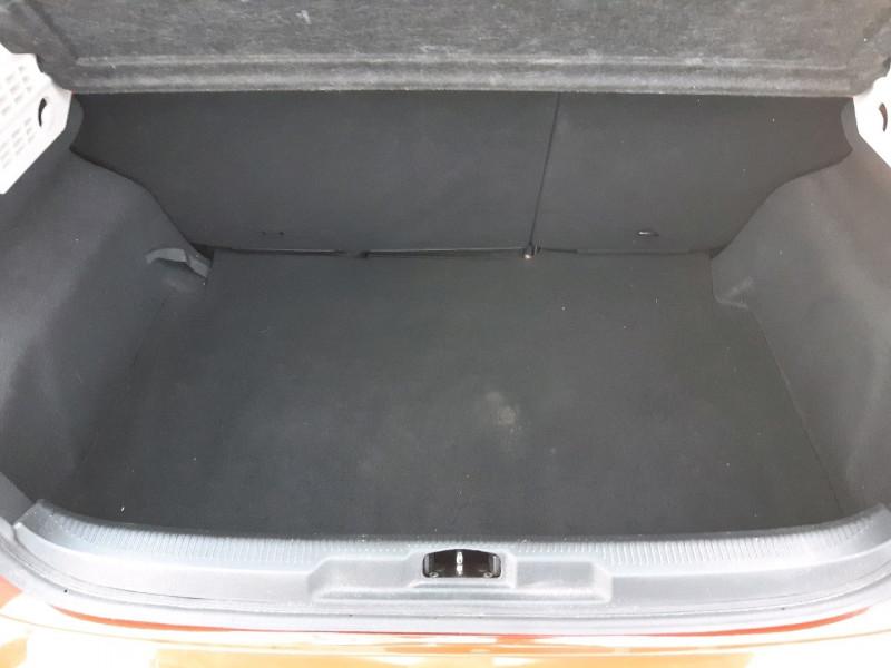 Photo 8 de l'offre de PEUGEOT 207 1.4 ACTIVE 3P à 4790€ chez Carlyss automobiles Vitré
