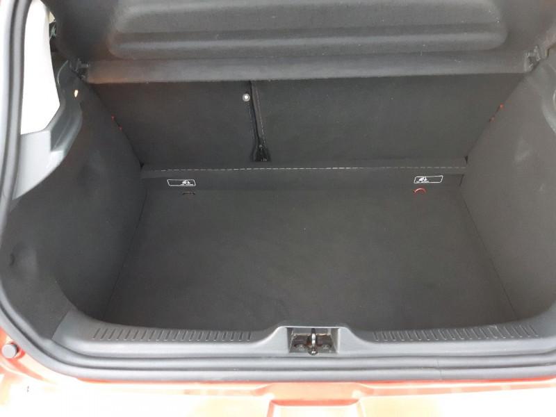 Photo 13 de l'offre de RENAULT CLIO IV 0.9 TCE 90CH ZEN ECO² à 7990€ chez Carlyss automobiles Vitré