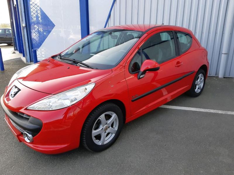 Photo 2 de l'offre de PEUGEOT 207 1.4 ACTIVE 3P à 4790€ chez Carlyss automobiles Vitré