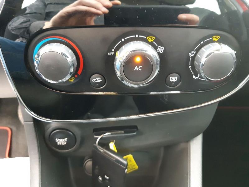 Photo 8 de l'offre de RENAULT CLIO IV 0.9 TCE 90CH ZEN ECO² à 7990€ chez Carlyss automobiles Vitré