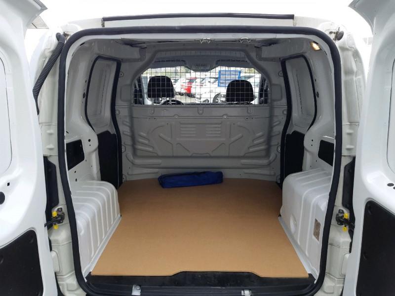 Photo 4 de l'offre de PEUGEOT BIPPER 117 L1 1.3 HDI 75CH PACK CLIM à 6990€ chez Carlyss automobiles Vitré