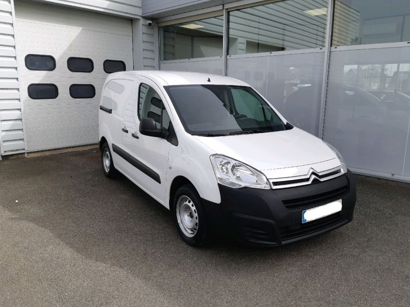Photo 1 de l'offre de CITROEN BERLINGO M 1.6 BLUEHDI 100 CLUB à 8490€ chez Carlyss automobiles Vitré