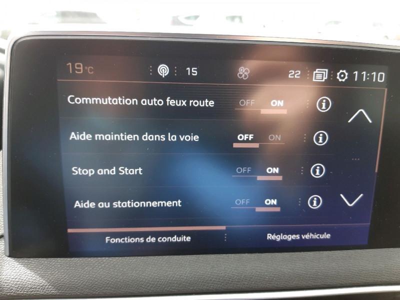 Photo 10 de l'offre de PEUGEOT 3008 1.5 BLUEHDI 130CH E6.C GT LINE S&S à 24790€ chez Carlyss automobiles Vitré
