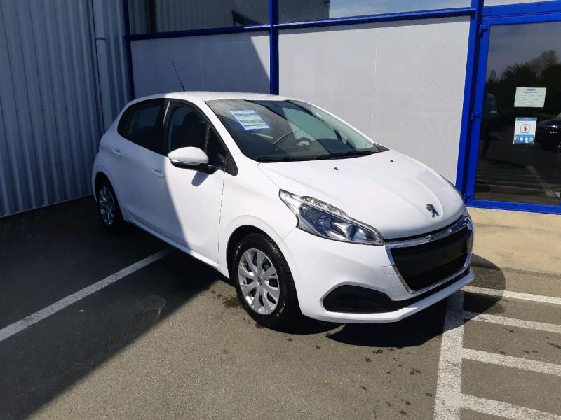Photo 1 de l'offre de PEUGEOT 208 1.2 PURETECH 82CH ACTIVE 5P à 9990€ chez Carlyss automobiles Vitré