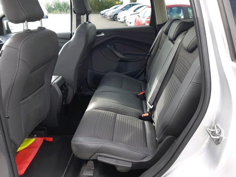 Photo 8 de l'offre de FORD KUGA 2.0 TDCI 150CH STOP&START TITANIUM 4X2 à 16990€ chez Carlyss automobiles Vitré