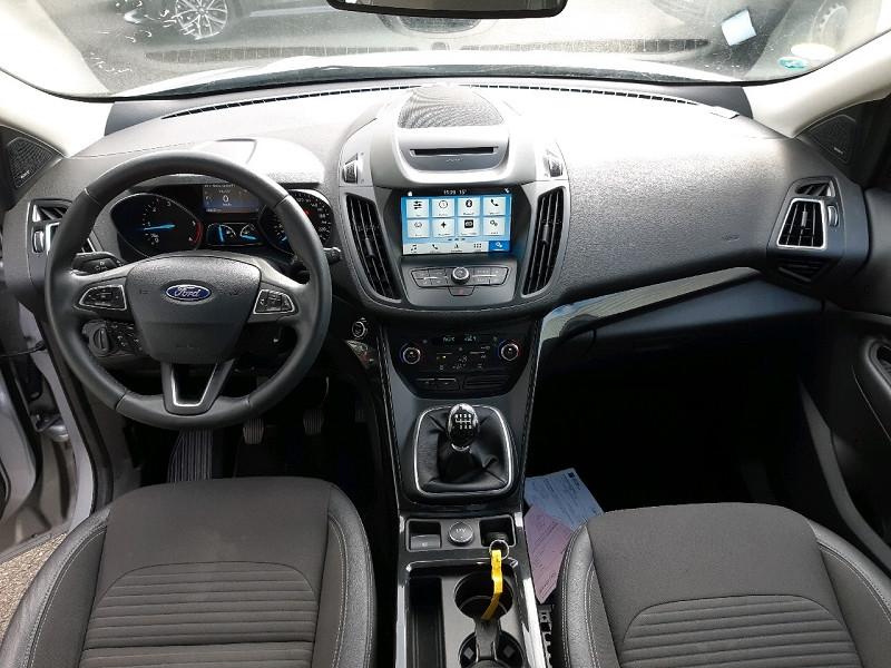 Photo 9 de l'offre de FORD KUGA 2.0 TDCI 150CH STOP&START TITANIUM 4X2 à 16990€ chez Carlyss automobiles Vitré