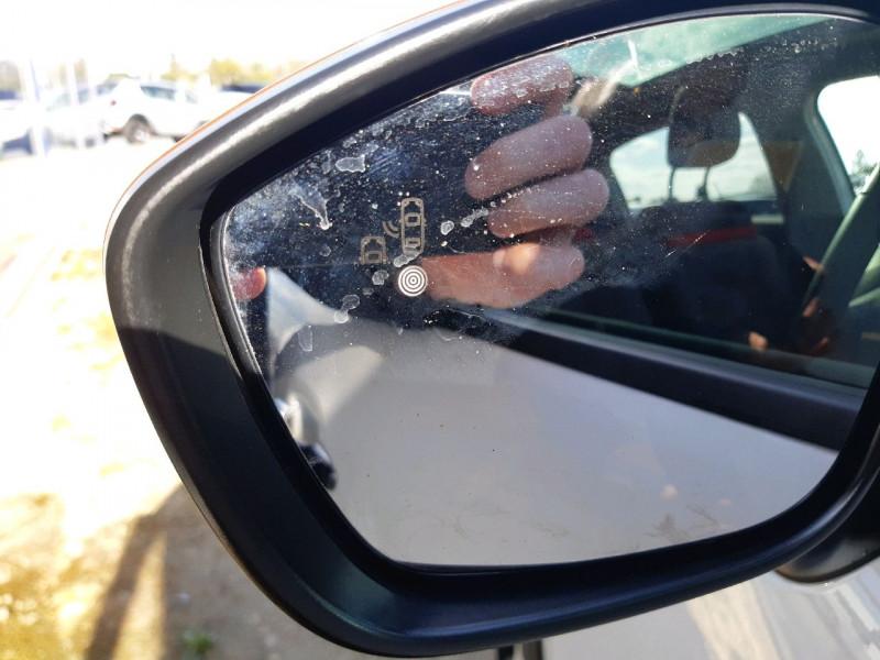 Photo 6 de l'offre de CITROEN C3 BLUEHDI 100CH SHINE S&S E6.D-TEMP à 13990€ chez Carlyss automobiles Vitré