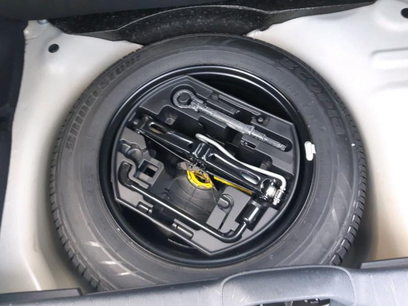 Photo 15 de l'offre de PEUGEOT 208 1.2 PURETECH 82CH ACTIVE 5P à 9990€ chez Carlyss automobiles Vitré
