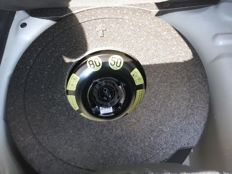 Photo 24 de l'offre de CITROEN C3 BLUEHDI 100CH SHINE S&S E6.D-TEMP à 13990€ chez Carlyss automobiles Vitré