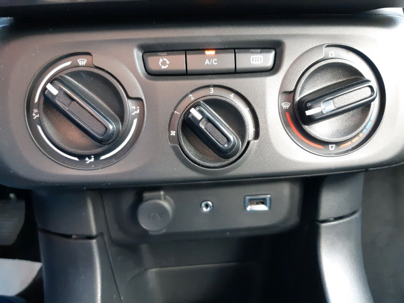 Photo 7 de l'offre de CITROEN C3 PURETECH 68CH FEEL à 9490€ chez Carlyss automobiles Vitré