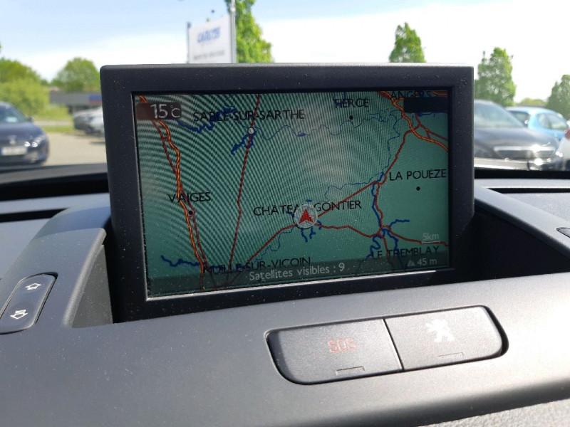 Photo 12 de l'offre de PEUGEOT 3008 2.0 HDI160 FAP ALLURE BA à 13390€ chez Carlyss automobiles Vitré