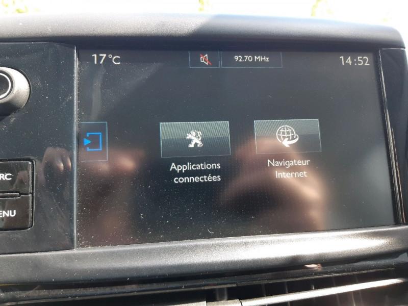 Photo 12 de l'offre de PEUGEOT 208 1.2 PURETECH 82CH ACTIVE 5P à 9990€ chez Carlyss automobiles Vitré