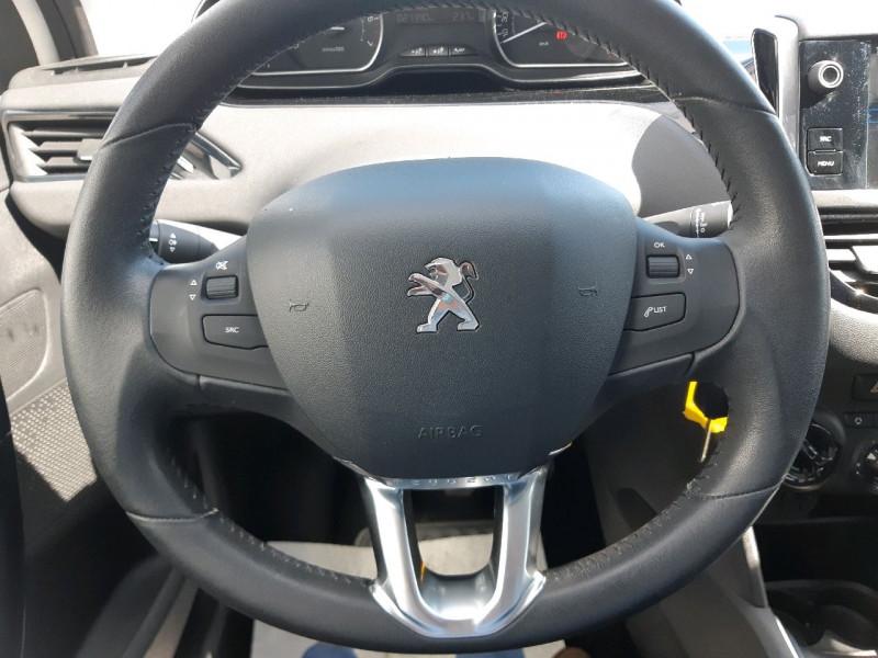Photo 10 de l'offre de PEUGEOT 208 1.2 PURETECH 82CH ACTIVE 5P à 9990€ chez Carlyss automobiles Vitré
