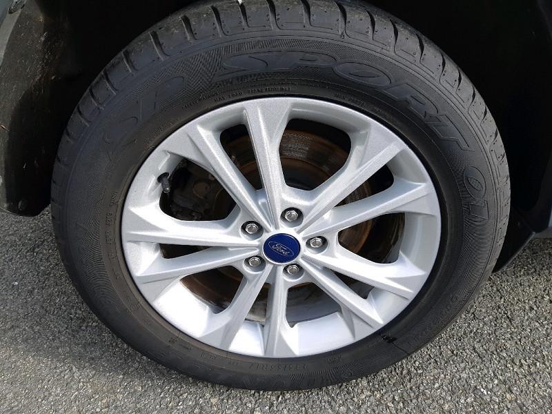 Photo 4 de l'offre de FORD KUGA 2.0 TDCI 150CH STOP&START TITANIUM 4X2 à 16990€ chez Carlyss automobiles Vitré