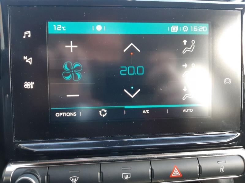 Photo 18 de l'offre de CITROEN C3 BLUEHDI 100CH SHINE S&S E6.D-TEMP à 13990€ chez Carlyss automobiles Vitré