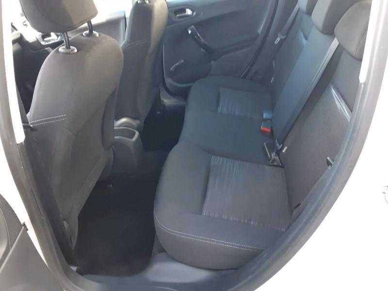 Photo 6 de l'offre de PEUGEOT 208 1.4 HDI FAP ACCESS 5P à 6990€ chez Carlyss automobiles Vitré