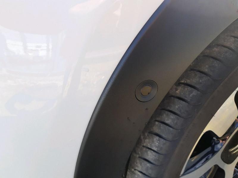 Photo 4 de l'offre de CITROEN C3 BLUEHDI 100CH SHINE S&S E6.D-TEMP à 13990€ chez Carlyss automobiles Vitré