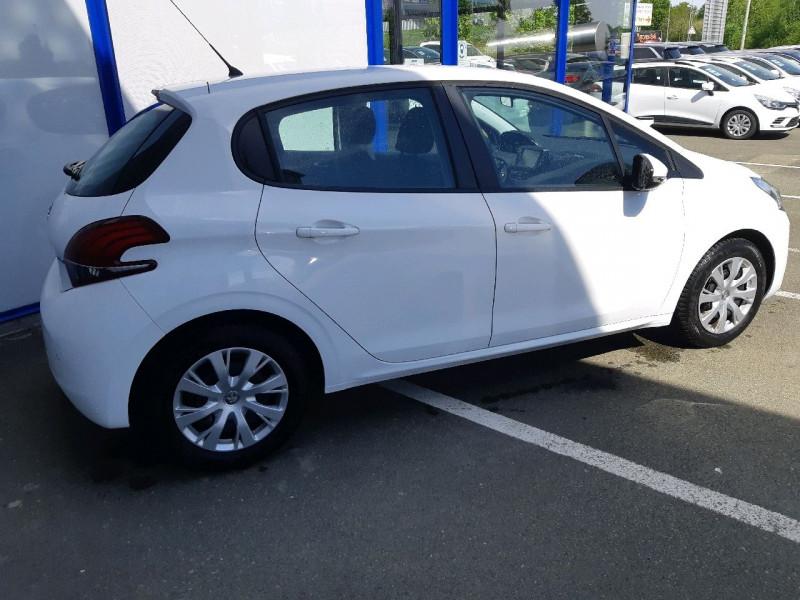 Photo 3 de l'offre de PEUGEOT 208 1.2 PURETECH 82CH ACTIVE 5P à 9990€ chez Carlyss automobiles Vitré