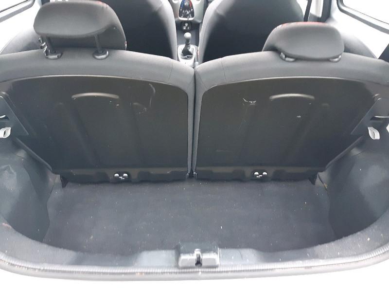 Photo 15 de l'offre de CITROEN C1 AIRSCAPE VTI 68 FEEL 5P à 8990€ chez Carlyss automobiles Vitré