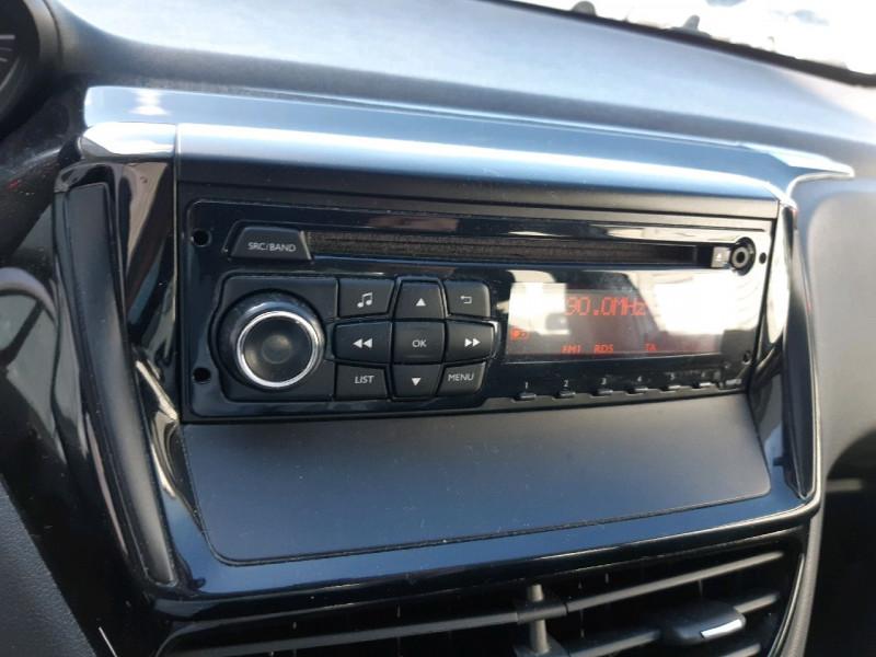 Photo 9 de l'offre de PEUGEOT 208 1.4 HDI FAP ACCESS 5P à 6990€ chez Carlyss automobiles Vitré