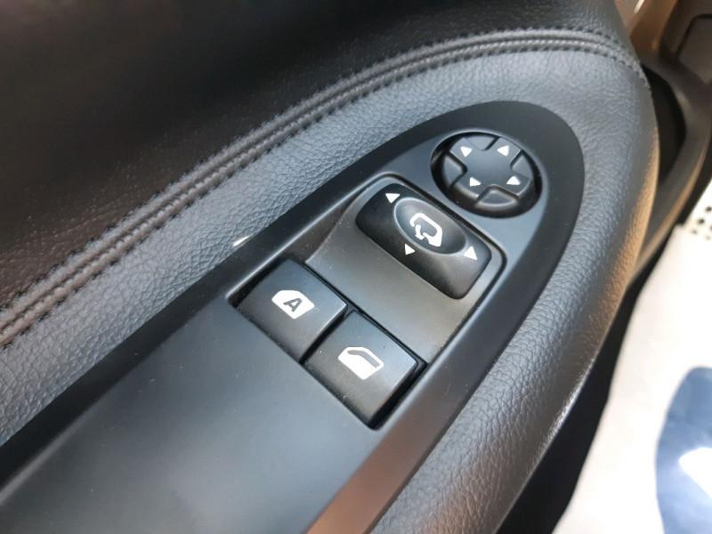Photo 10 de l'offre de CITROEN DS3 1.2 VTI PURETECH SO CHIC à 9990€ chez Carlyss automobiles Vitré