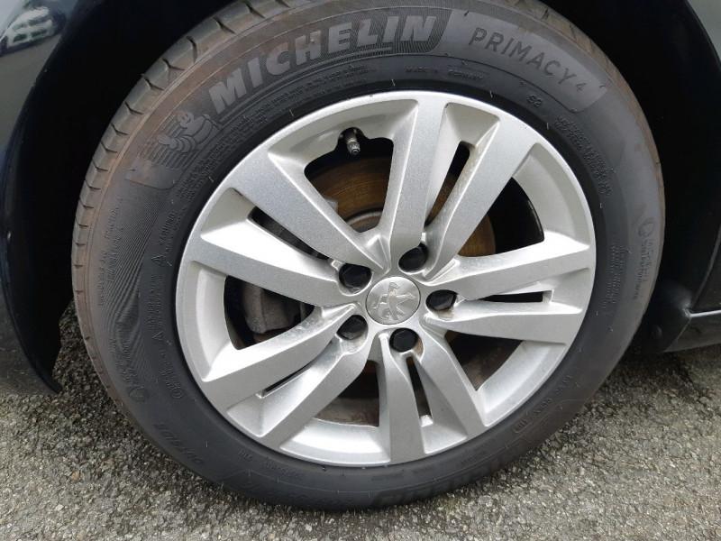 Photo 9 de l'offre de PEUGEOT 308 1.5 BLUEHDI 130CH S&S ACTIVE à 17490€ chez Carlyss automobiles Vitré