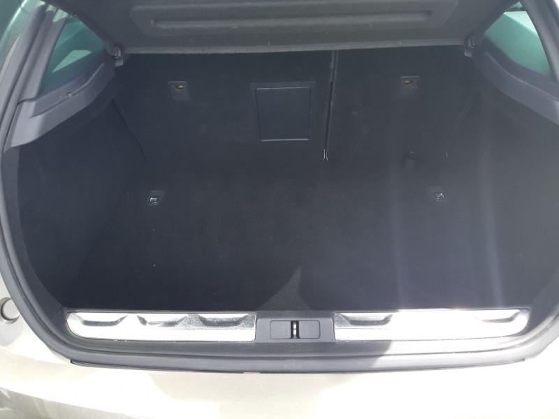 Photo 24 de l'offre de CITROEN DS5 2.0 HDI160 SPORT CHIC à 12490€ chez Carlyss automobiles Vitré