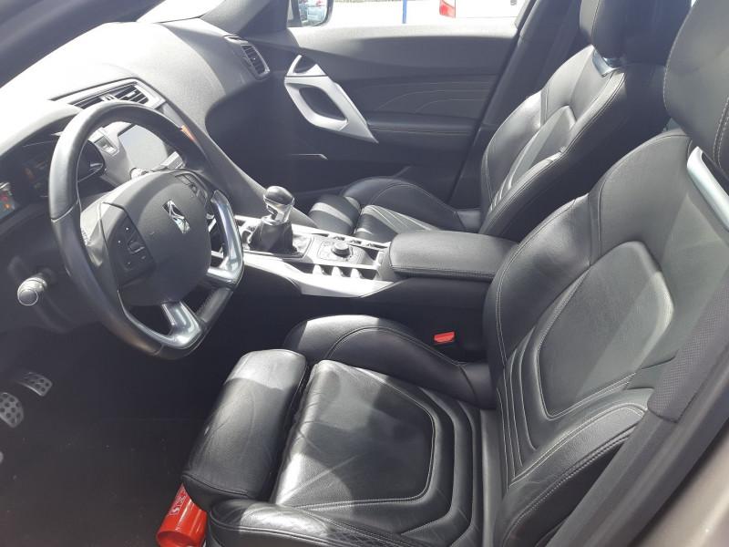 Photo 10 de l'offre de CITROEN DS5 2.0 HDI160 SPORT CHIC à 12490€ chez Carlyss automobiles Vitré
