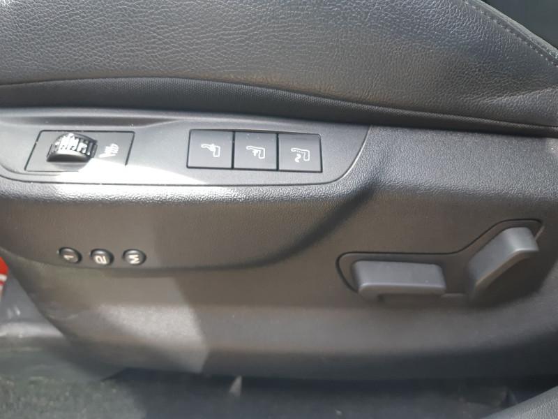Photo 12 de l'offre de CITROEN DS5 2.0 HDI160 SPORT CHIC à 12490€ chez Carlyss automobiles Vitré